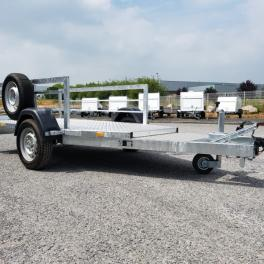 Remorque spécifique pour marquage routier simple essieu freiné