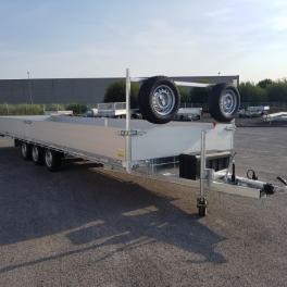 Remorque plateau 3 essieux centraux  freinés avec ridelles en aluminium .