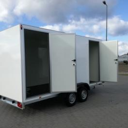 Remorque fourgon sanitaire 2 portes latérales roues extérieures